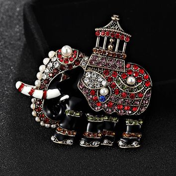 Blucome Small Size Elephant Brooches For Men Jewelry Fashion Women enamel Hijab Pins And Rhinestone Brooch perfect Pearl Broches