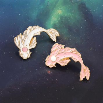 Pink White Koi Brooch Cute Goldfish Carp Enamel Pin Denim Lapel Fish Badge Family Kid Blessing Gifts Friends Personality Jewelry
