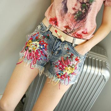 KL1202 High quality stylish embroidery sequin summer girls denim shorts women mid waist casual shorts jeans