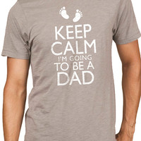 Baby Newborn Fathers Day Gift Keep Calm im Going to be a DAD Mens T Shirt Dad to be Gift New Dad