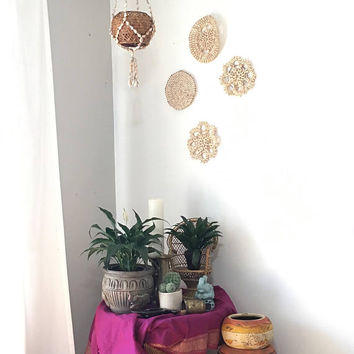 Collection of Shell Boho Home Decor, Set of 4 Seashell Trivets and Hanging Plant Hanger, Boho Room Decor, Outdoor Patio Decor
