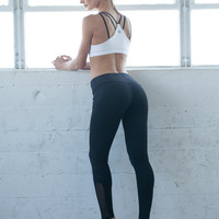 PRE-ORDER Heart Butt™ Yoga Legging - Compression Clothing - Black Yoga Pants - Women's Clothing & Yoga Apparel - Activewear - B001