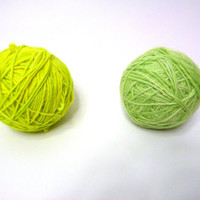Neon Yarn wool craft proyects 2 balls total weight 8,9 oz., 254 gs.