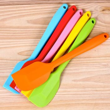 2016 Latest Fashion Hot Silicone Spatulas Cake Cream Mixer Baking Pastry Spatulas Kitchen Tool Multi-purpose Silicone Spatula