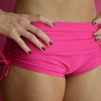 Shorts in pink  for Bikram yoga