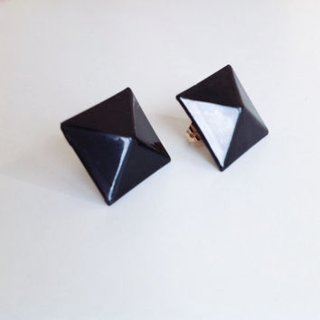 BLACK PYRAMID resin EARRINGS * dark c'est chic! * glam rock * studs earrings