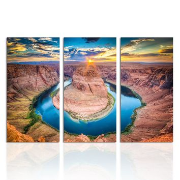 Canvas Wall Art: Horseshoe Bend on the Colorado River American Landscape Wall Art 3-Panel