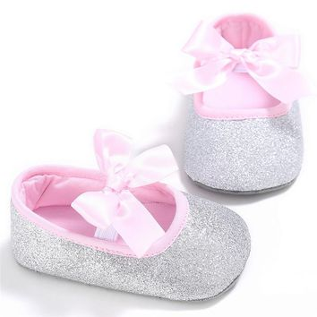 Glitter New Baby Girl Crib Shoes Newborn Solid Bowknot Soft Sole Anti-slip Baby Sneakers First Walkers