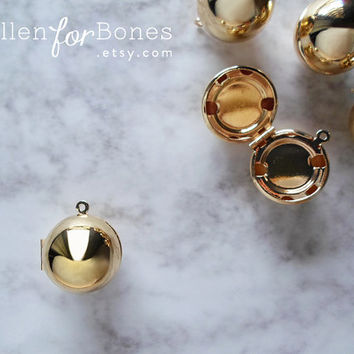 Gold High-shine Sphere Locket Round Pendant Circle Snitch Jewelry Supplies ∙ 1pc