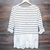 oversize striped button-up back vintage lace hem womens sweater top in white & navy