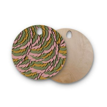 "Akwaflorell ""Wings II"" Pink Green Round Wooden Cutting Board"