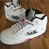 Supreme x Air Jordan 5 Retro White Basketball Shoes with Shoes Box