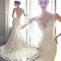 Sexy V Neck Brush Bridal Gown Lace Appliques Mermaid Wedding Dresses