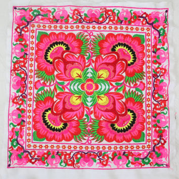 Pink Garden New Fashionable Style Embroided Fabric Thailand (TX010-WF)