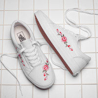Vans Classics Old Skool Flowers Embroidery Rose Black/White Sneaker