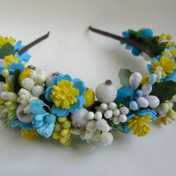 Ukraine jewelry Hair crown White berries Hair accessories Bright hair Flower head wreath Yellow and blue Flower hair jewelry Ukrainian gift