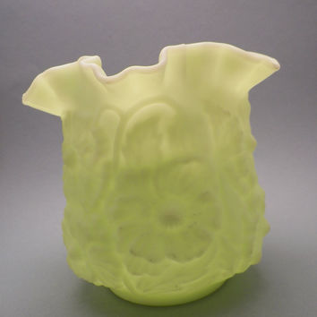 FENTON. Vase. Lime Sherbert. Lime Green. Lime Satin. Custard Satin. Fenton Number 9154. Poppy Vase. Poppies.