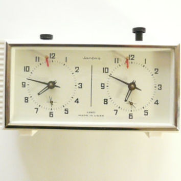Vintage Chess clock Jantar, 4 jewels made in USSR - wind-up clock  SOVIET JANTAR, excellent vintage conditions. Тable clock mechanical