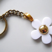 Cute White & Gold Daisy Flower Keychain, Keyring, Kitsch, Retro, Girly, Girlie, Floral, Pretty