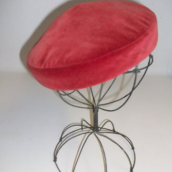 Vintage Beret Red Velvet by daisybethdesigns on Etsy