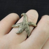 ZLYC Golden Starfish Ring for Women