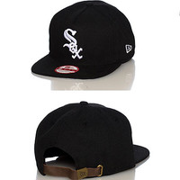 CHICAGO WHITE SOX UNDER SCAPE STRAPBACK - Black - NEW ERA