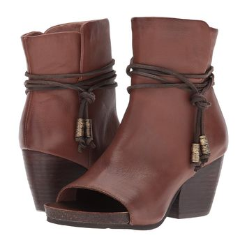 NEW OTBT Women's Boots Vagabond in Oak