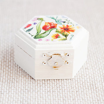"Hand painted hexahedral vintage style box ""Flowers"" - Wedding decoration, small box, white, natural wood, wedding ring box"