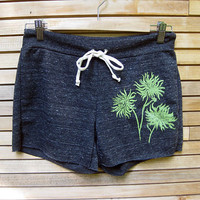 burst of Mums Yoga Shorts in Charcoal SMLXL by nicandthenewfie