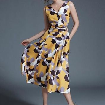 Yellow Sleeveless Pockets Women's Day Dress