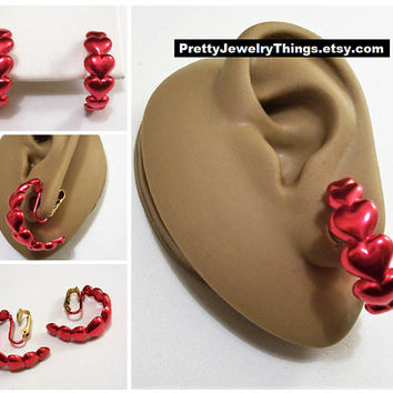 Avon Red Hearts Band Hoop Clip On Earrings Gold Tone Vintage 1991 Wide Layered Open Rings Satin Finish
