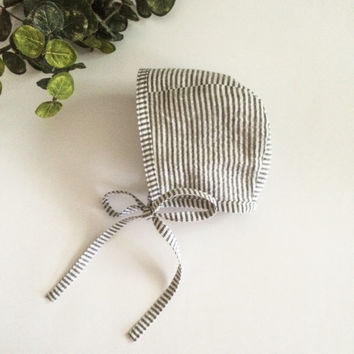 Cotton Baby Bonnet - Charcoal and White Seersucker Print - Gender Neutral Baby Bonnet - Baby Hat - Baby Girl Bonnet - Baby Boy Bonnet