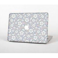 The Subtle White and Blue Floral Laced V32 Skin Set for the Apple MacBook Pro 15""