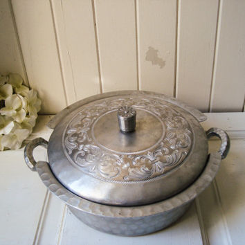 Vintage Hand Forged Steel Aluminum Serving Pot with Lid, Metal Casserole Dish with Lid and Handles, Shabby Chic, French Farmhouse, Gift Idea
