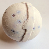 Lavender Lover Bath Bomb/Buy 4 or more FREE SHIPPING/Soapie Shoppe Haywood Mall