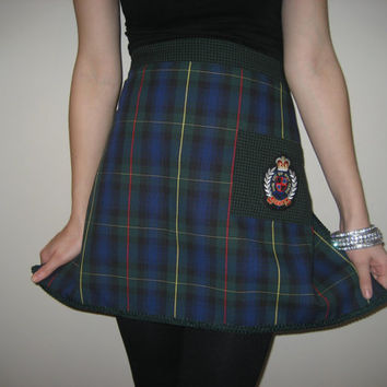 Unisex preppy plaid half apron with status emblem on pocket. XL waist ties. Free shipping.