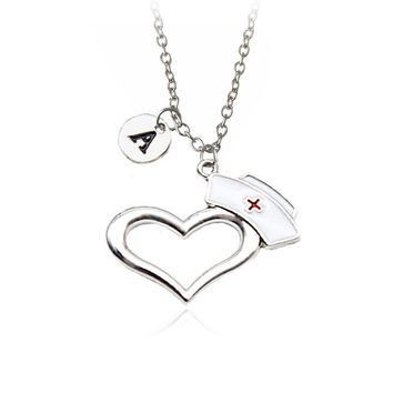 Personalized 26 Letters Prayer Heart Nurse Cap Pendant Personal Necklace Doctor Nursing Graduation Creative Gift Memorial Choker