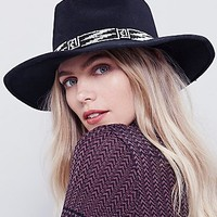 'ale by Alessandra Womens Free Flying Beaded Hat
