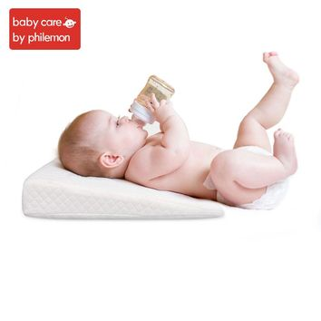 Babycare Newborn Baby Sleep Pillow Anti Baby Spit Milk Crib Cot Sleep Positioning Wedge Pillow Memory Foam Infant Nursing Pillow