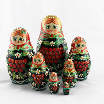 Matryoshka Russian Nesting Doll Babushka Beautiful Wooden Rowan Ryabina Set 7 Pieces Pcs Hand Painted Handmade Souvenir Handicraft Craft
