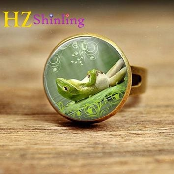 2017 New Style Animal Jewelry Green Sleepy Lazy Frog Adjustable Rings Bronze Silver Ring Round Glass Dome Ring For Women