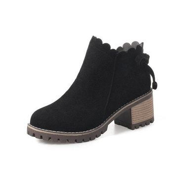 Retro Wave Zipper Block Round Toe Square Heels Platform Boots For Women