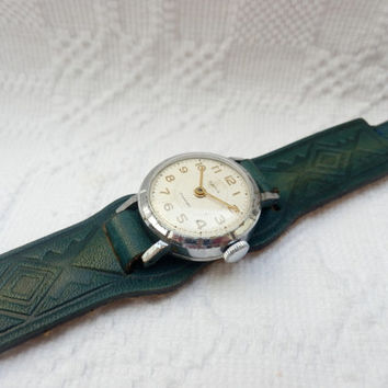 vintage russian Zaria ladies watch with NOS leather strap