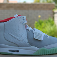 NIKE AIR YEEZY 2 PLATINUM KANYE WEST SZ 8-13 508214 - 010 WOLF GREY
