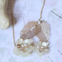 a walk at dawn flower necklace