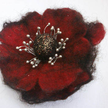 Black red wool felt poppy flower,felt brooch,hand wet felting wool unique felt jewelry,felt  brooch flower, hair clip,hat, bag, gift for her