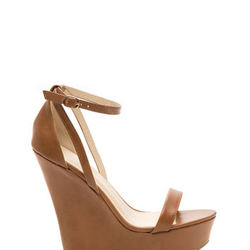 Models Off Duty Wedges