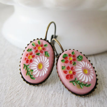 Pink Flower Earrings, Vintage Cabochons, Antique Brass, Wildflowers, Retro Earrings, Summer Jewellery Daisies Lever backs Vintage Style Boho