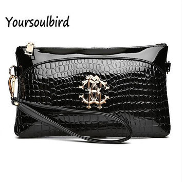 2017 spring new women's handbags crocodile Hand Bag Handbag Shoulder Messenger Bag Korean fashionista clutch ladies wallets