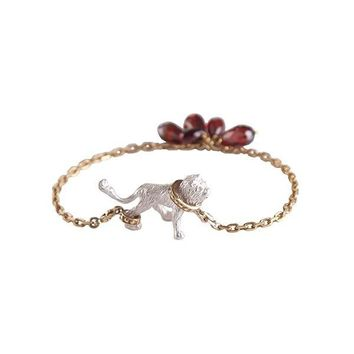 Captive Lion Chain Bangle
